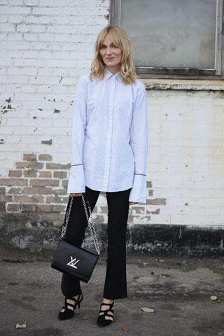 Camicia, pantaloni neri e scarpe flat - Dal blog Blame in on Fashion