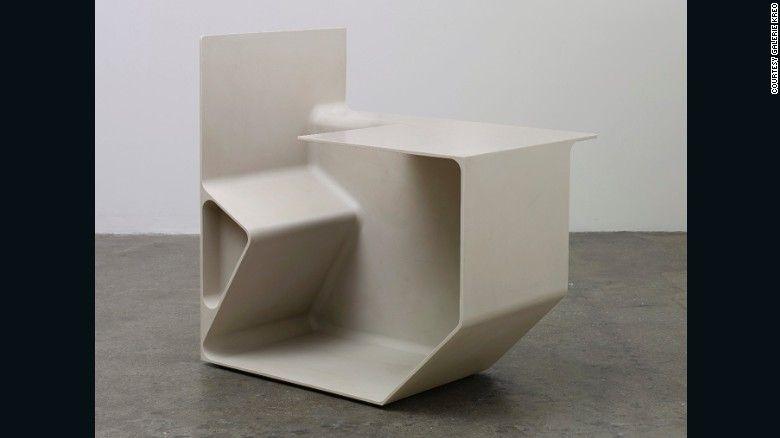 Sedia in materiale composito