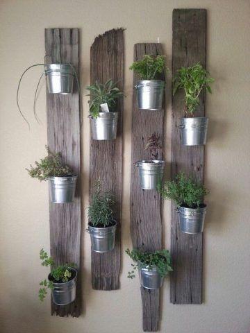 Elementi naturali sul muro