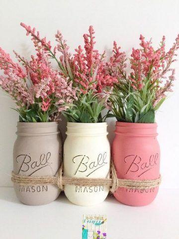 Tre vasetti con colori acrilici e spago