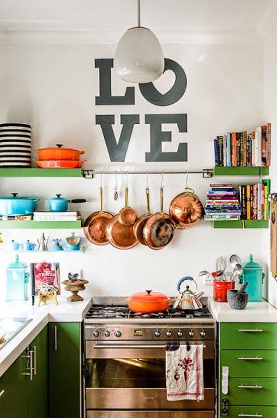 Decorazioni originali da parete per la tua cucina bigodino for Decorazioni piatti da cucina