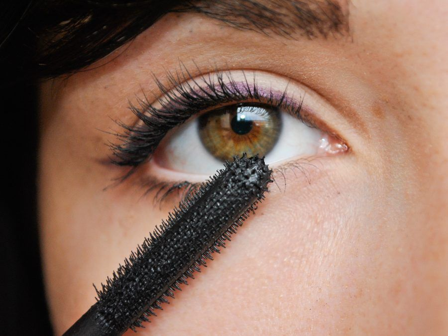 Apply-Makeup-to-Small-Eyes-Step-7