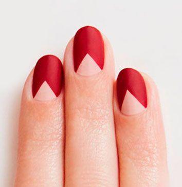 Manicure rossa
