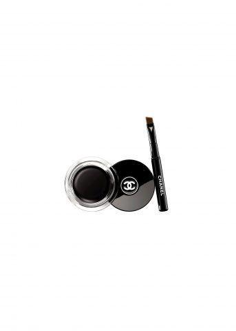 Calligraphie de Chanel è l'eyeliner a lunga tenuta della maison