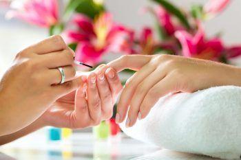 Nail Art: 11 manicure ispirate alle costellazioni