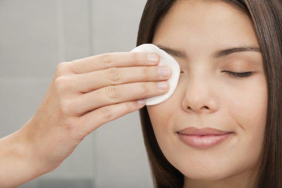 Schiarire la pelle con l'olio di cocco