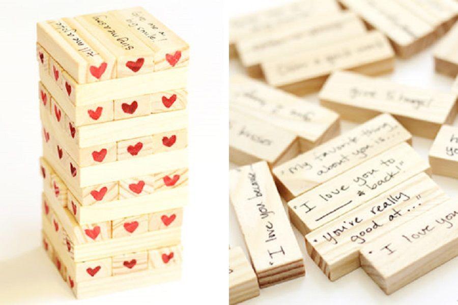 Jenga versione V-day con frasi romantiche su ogni mattoncino scritte da voi
