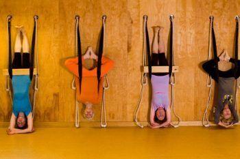 Yoga Wall, la nuova tendenza della meditazione