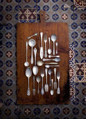 Una tavola di posate vintage
