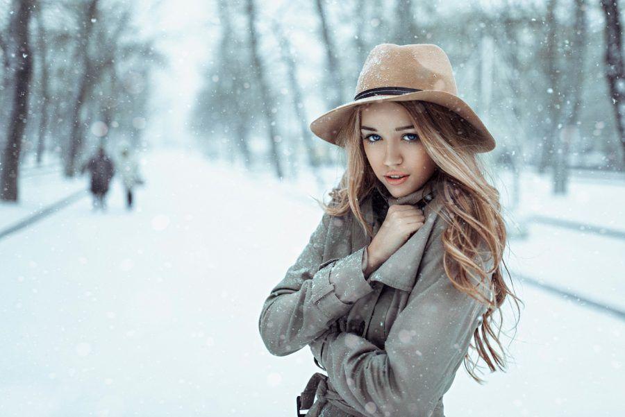 cold-girl-blonde-blue-eyes