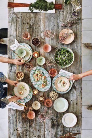 Pranzare con gli amici