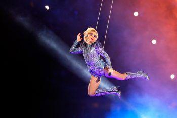Perché Lady Gaga ha annullato i suoi concerti?