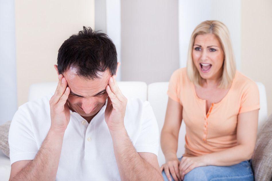 Persone Arrabbiate Immagini.Ecco Perché Siete Sempre Arrabbiate Con Vostro Marito Bigodino