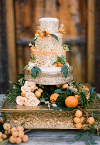 Torta con decori arancio