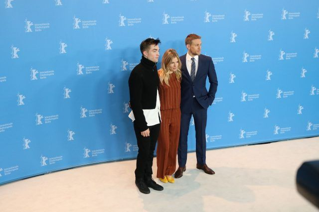 Robert Pattinson, Sienna Miller e Charlie Humman - Photo by Movieplayer.it