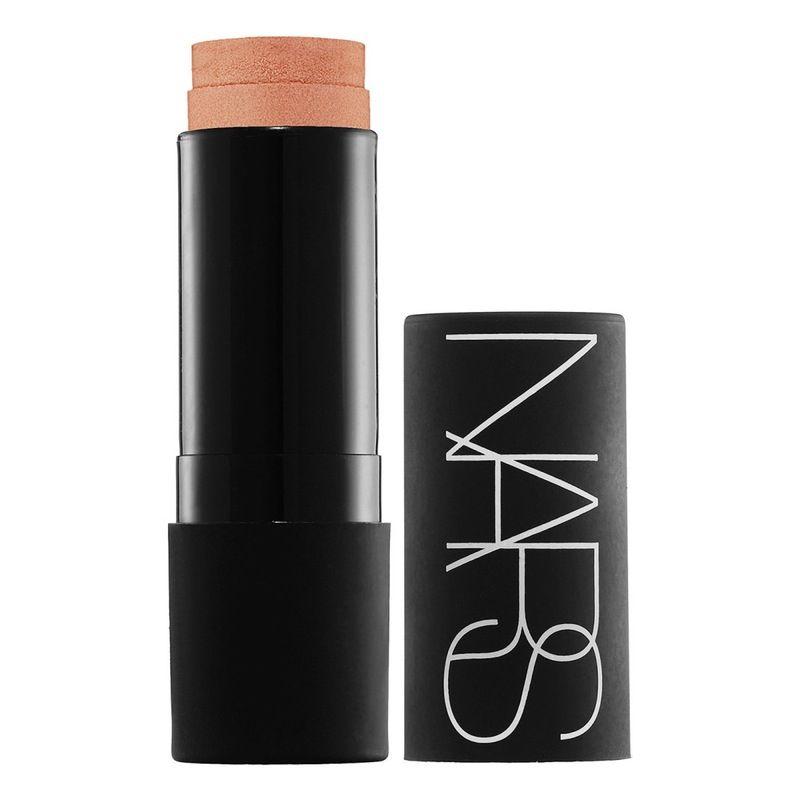 Stick multiple Nars- un finish unico, naturale che asseconda i naturali volumi del viso evidenziandoli