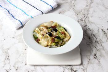 La ricetta della scarola in padella alla napoletana