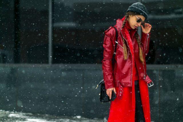 Chiodo sopra il cappotto