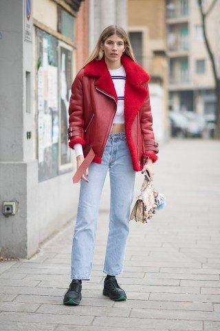 La fashion editor Veronika Heilbrunner, ha scelto il rosso per la sua MFW e non sbaglia un colpo!