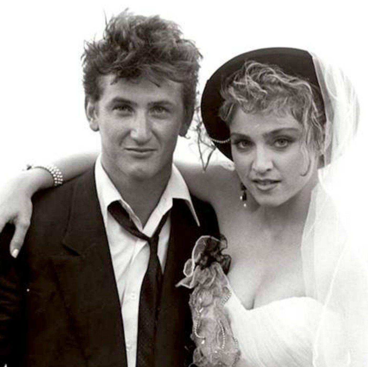 Madonna e Sean Penn, si conoscono e si sposano nel 1985, per poi divorziare tre anni dopo: la cantante ha accusato l'attore di violenza!