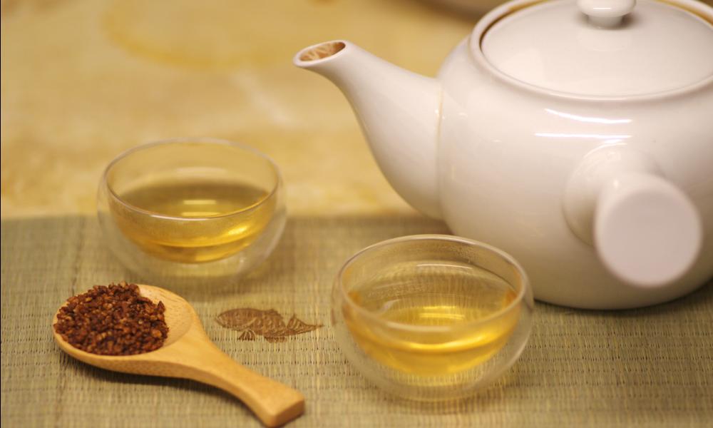 Il Soba Cha è una bevanda miracolosa che non solo aiuta a perdere peso in maniera facile e veloce.