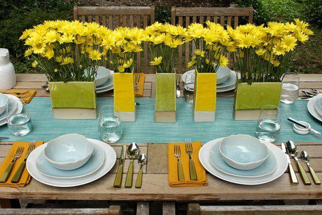 Come apparecchiare la tavola: con fiori