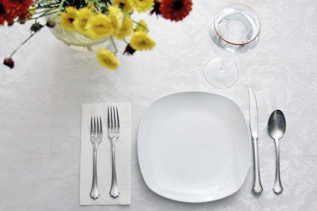 Come apparecchiare la tavola: stile minimal