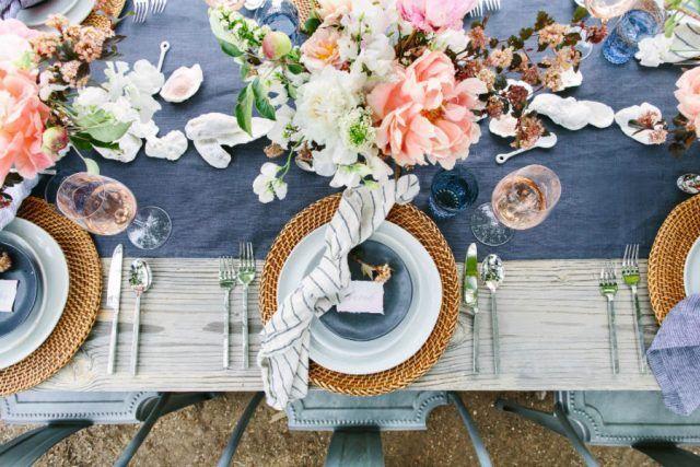 Come apparecchiare la tavola: stile floreale