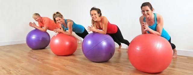 La fitball è in grado di potenziare anche la muscolatura.