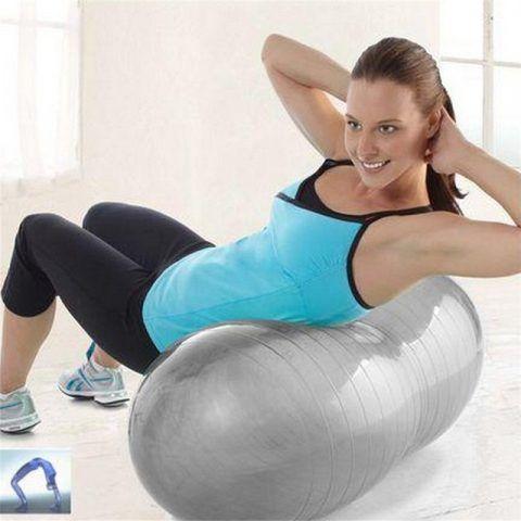 Possiamo anche eseguire delle torsioni laterali, cercando di mantenere l'equilibrio.