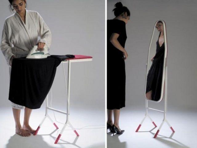 L'asse per stirare che diventa uno specchio