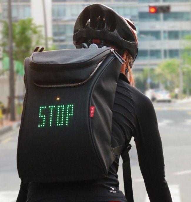 Lo zaino che salva i ciclisti per strada