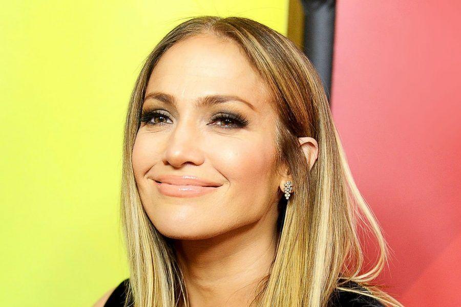 Ecco perché tutti parlano del nuovo taglio di capelli di Jennifer Lopez