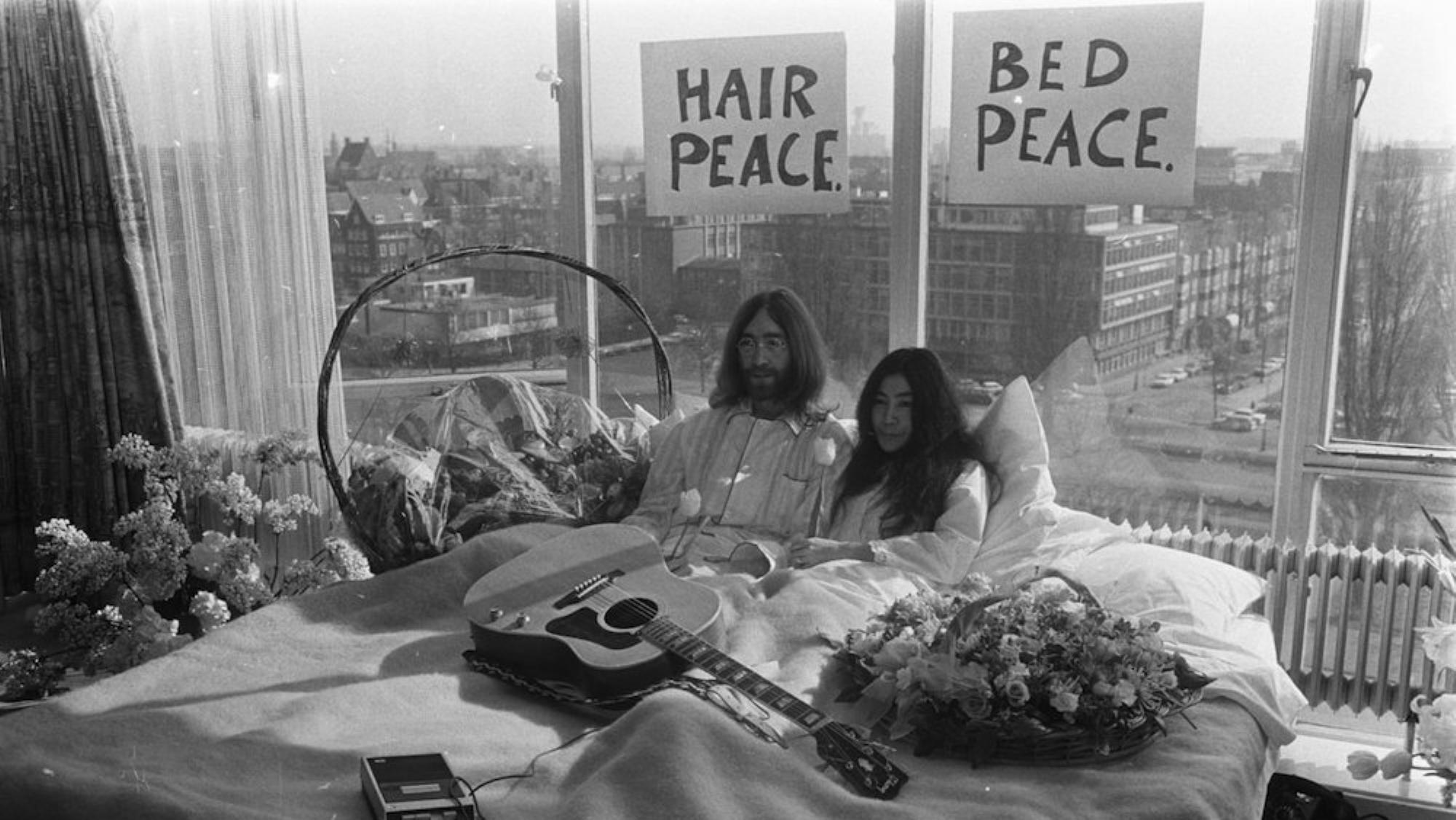 Letto e capelli per la pace... Opera di John Lennon e Yoko Ono!