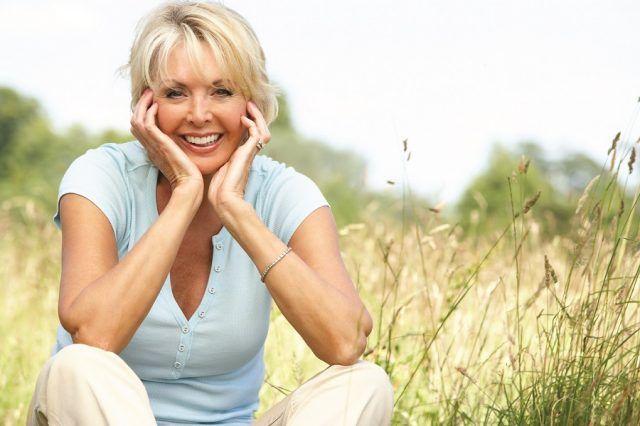 La menopausa è un momento delicato della nostra vita: meglio affrontarlo sapendo cosa succederà al nostro corpo.