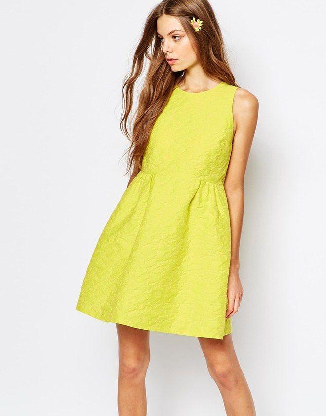 Moda primavera-estate 2017, giallo