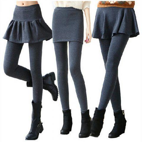 Minigonne con leggings e stivaletti