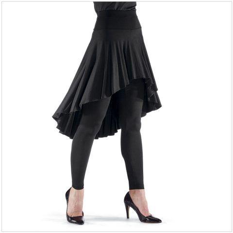 Gonna elegante con pantaloni neri