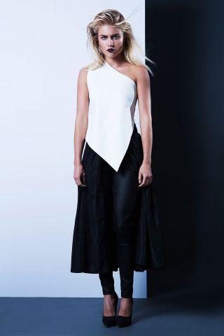 Abito bianco e nero con leggings