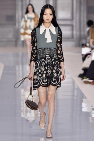 Paris Fashion Week, i colletti bon ton di Celine