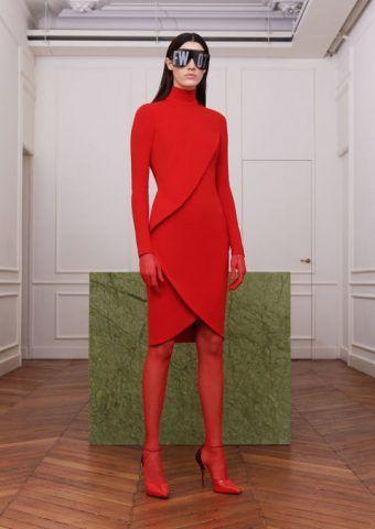 Paris Fashion Week, il total red di Givenchy