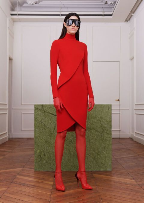 Paris Fashion Week, il total red di Givenchy
