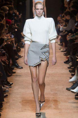Paris Fashion Week, le spalline anni Ottanta di Mugler