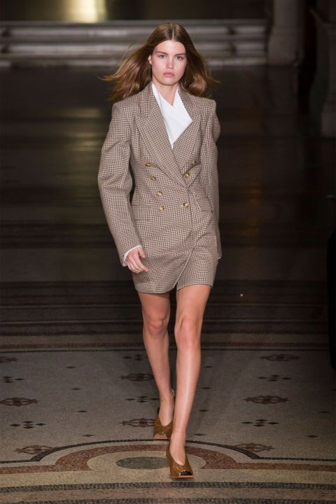 Paris Fashion Week, la giacca rivisitata di Stella McCartney