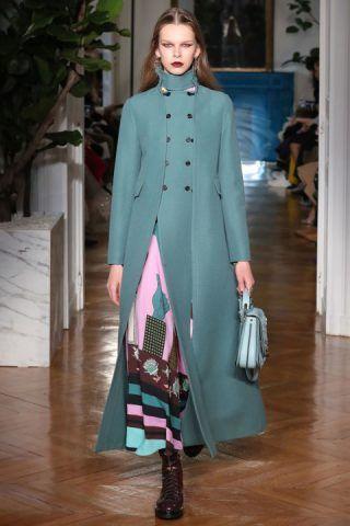 Paris Fashion Week, i cappotti di Valentino