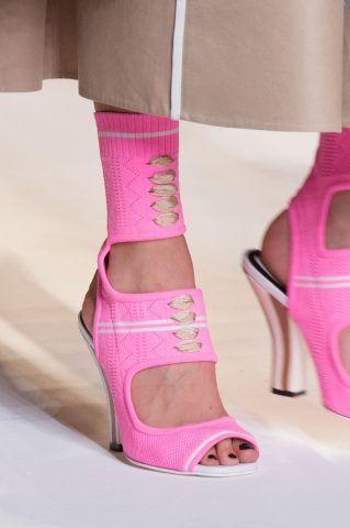 Scarpe primavera-estate 2017 rosa di Fendi