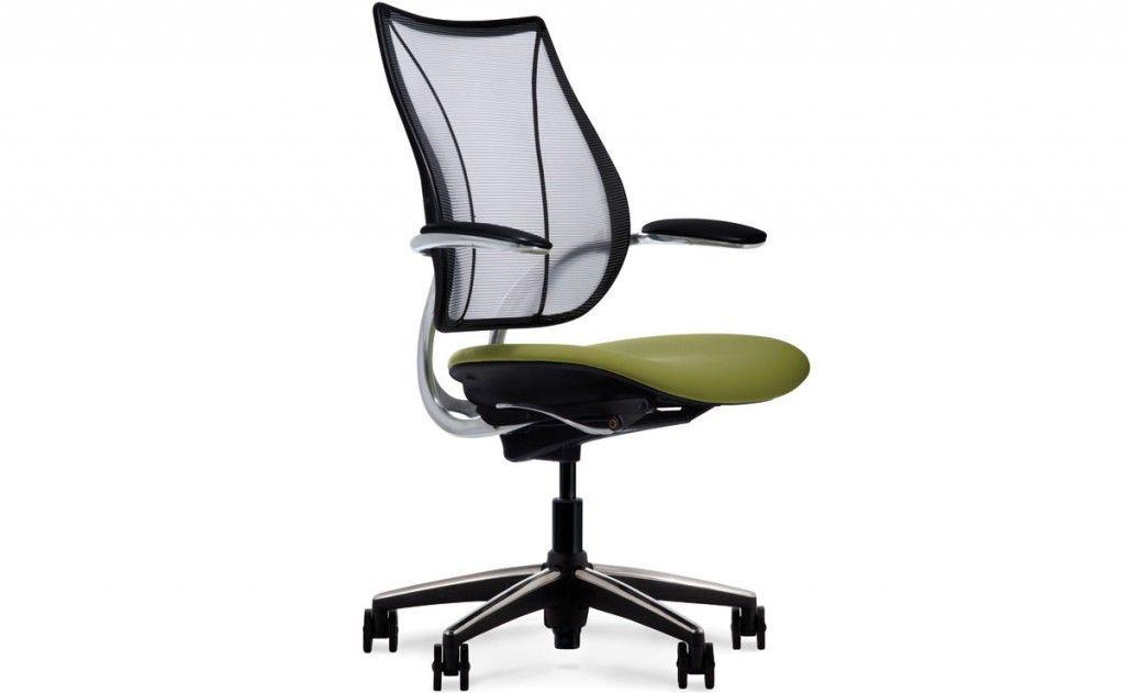 Dovremmo sempre stare sedute su sedie ergonomiche, pensate appositamente per il nostro benessere