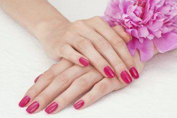 Tendenze unghie primavera 2017: i colori gel più belli