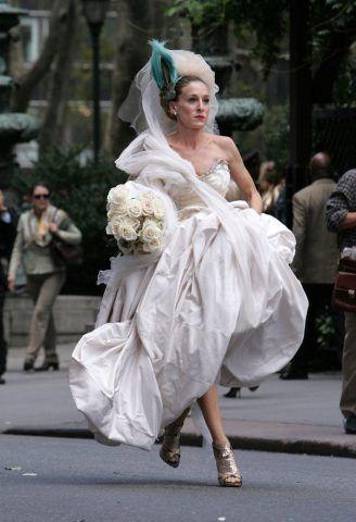 Non sei tu a scegliere il tuo abito da sposa, è lui!