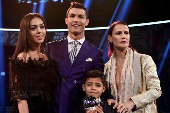 Cristiano Ronaldo diventerà papà di due gemelli